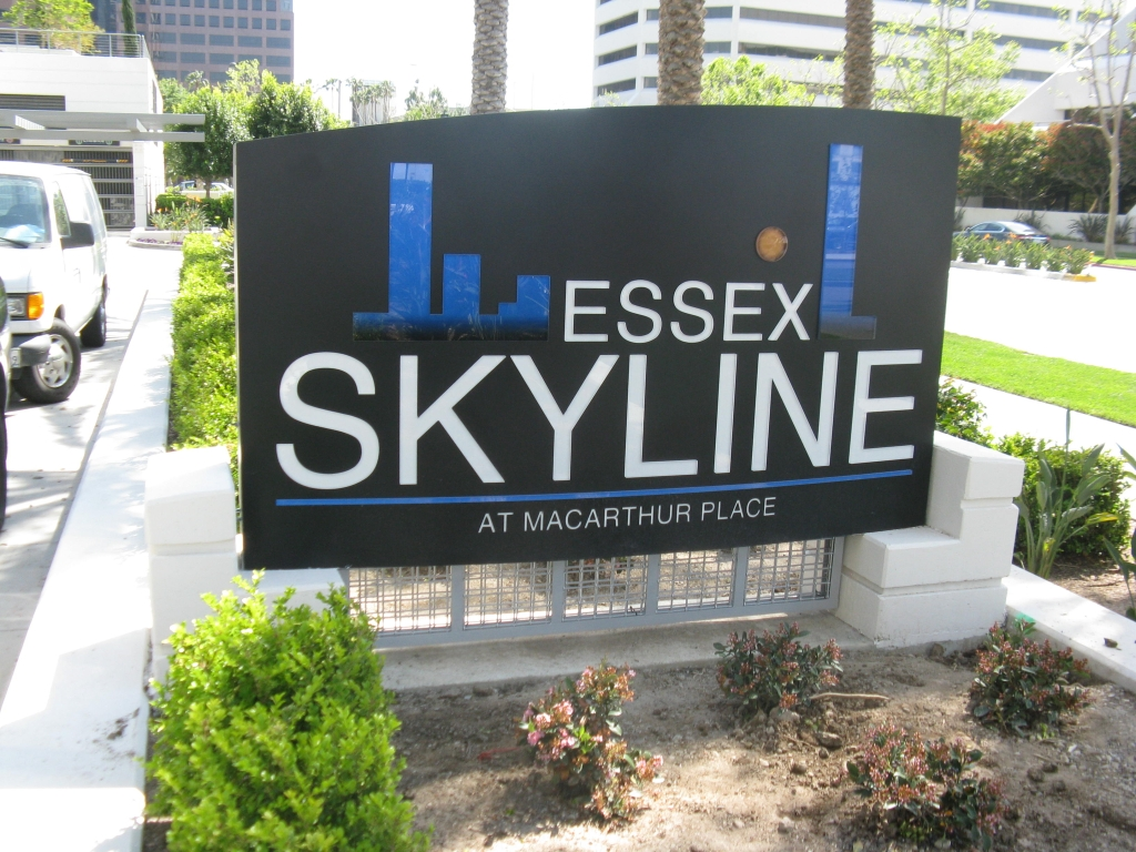 Skyline Push-Thru Graphics Monument Sign