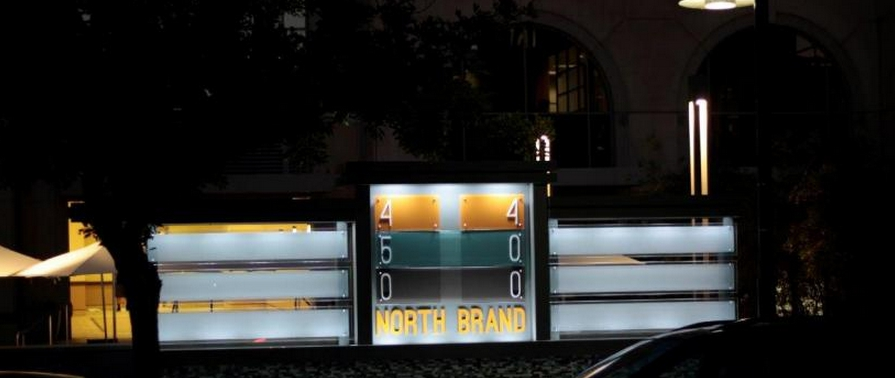 Soslar-powered Sign
